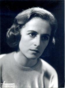 Christine de Rivoyre prise en photographie par les studios Harcourt au début des années 50.