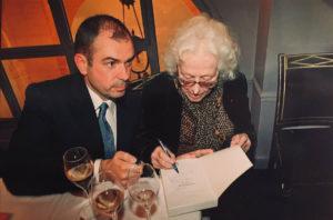 Christine de Rivoyre et Frédéric Maget lors du lancement de Flying-Fox et autres souvenirs au Grand Véfour.