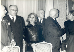Christine de Rivoyre et les membres du jury Interallié lors de la remise du prix pour Le Petit matin.