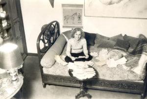 Christine de Rivoyre croule sous les lettres de félicitations après le prix Interallié au Petit matin.